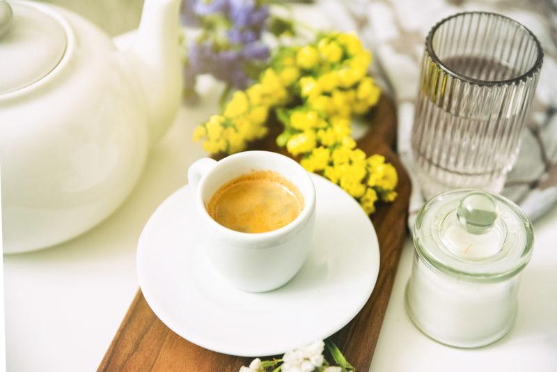 kawa espresso i woda