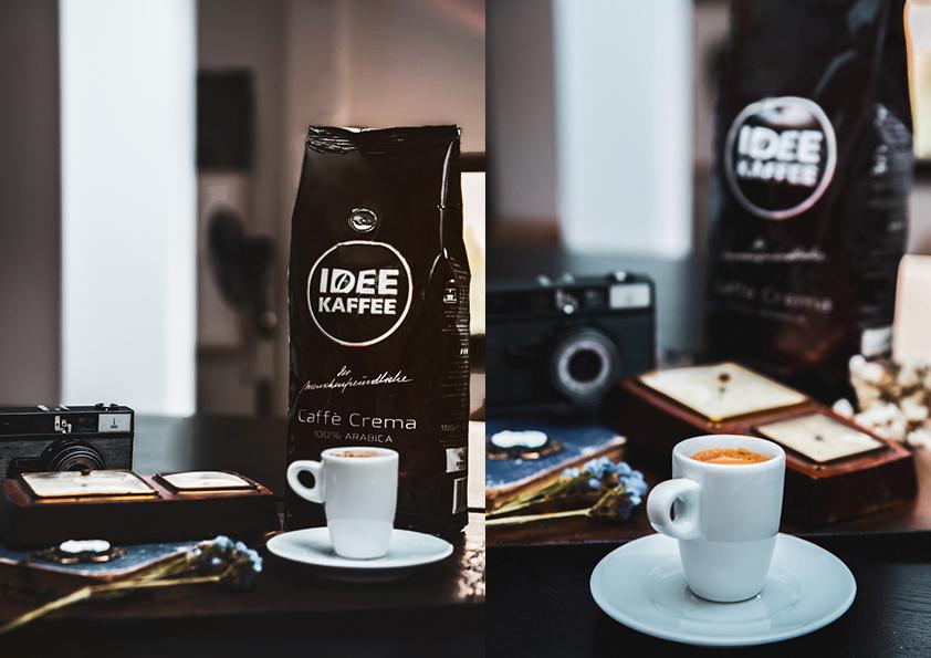 biała filiżanka kawy opakowanie kawy
