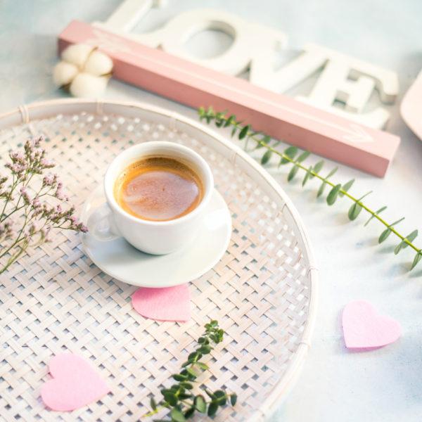 filiżanka kawy walentynkowe dekoracje