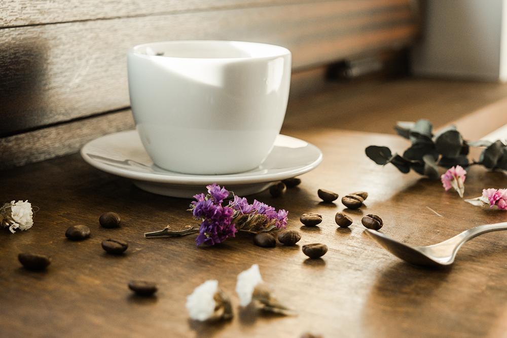 filiżanka kawy dekoracje kawa ziarnista