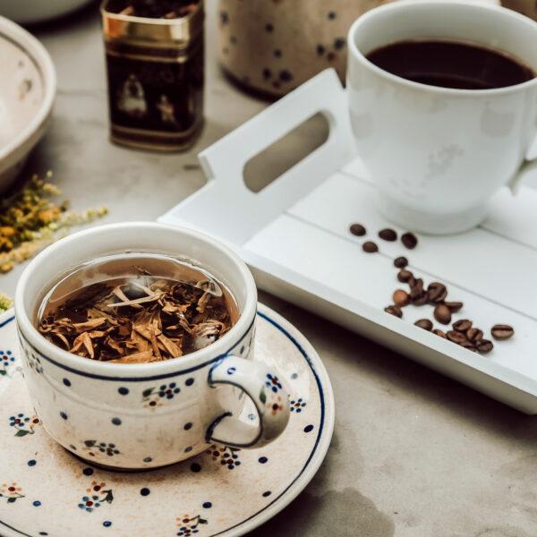 Kawa czy herbata? Co jest zdrowsze i jaki ma wpływ na ciśnienie?