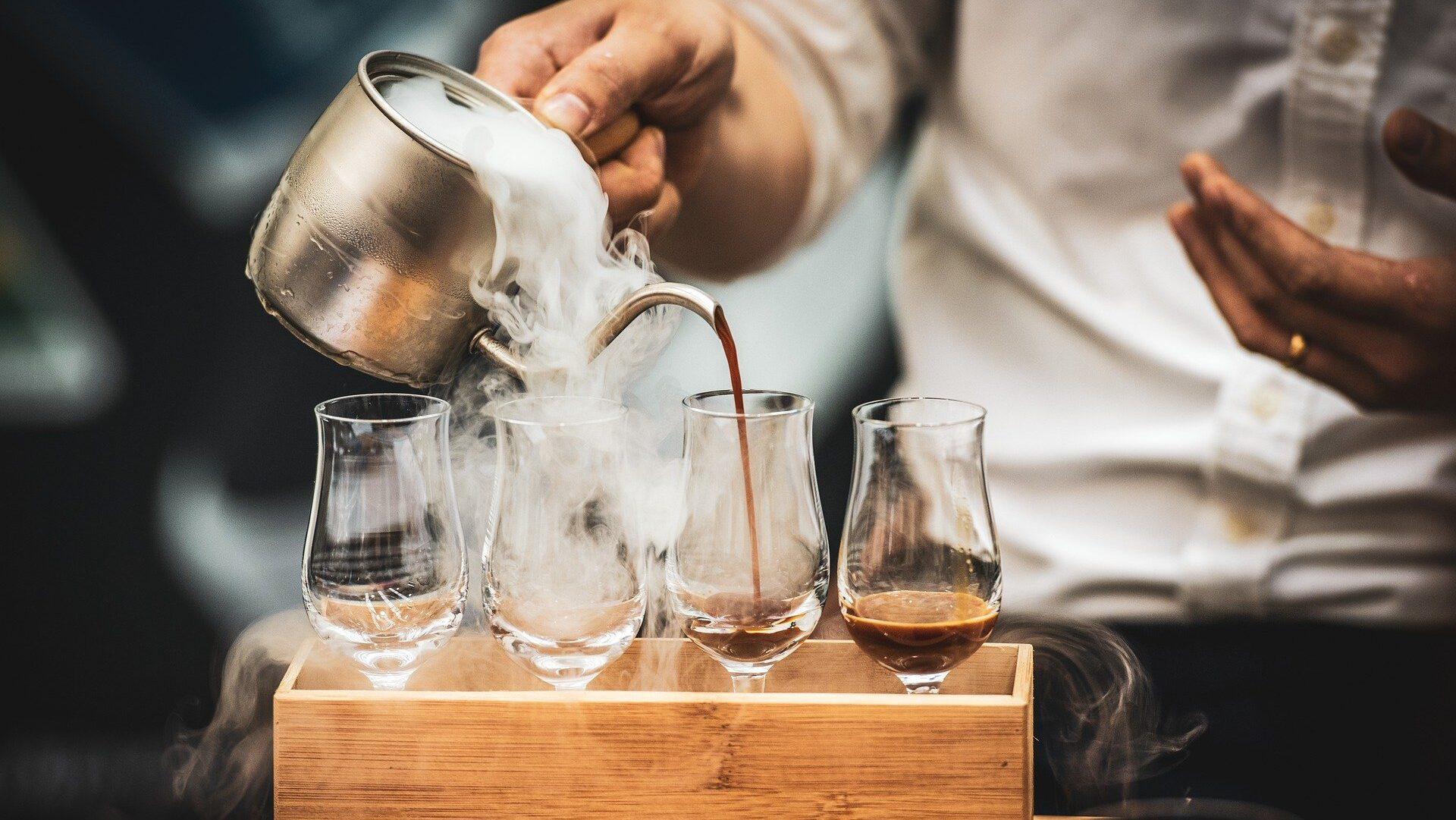 Aromatyczna kawa z dodatkiem ziół